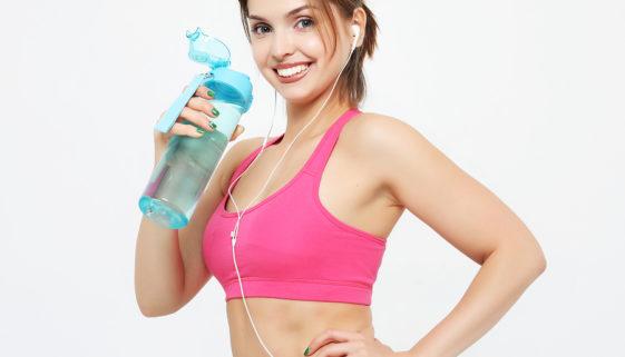 Moderne Sporttrinkflaschen mit personalisiertem Werbeaufdruck